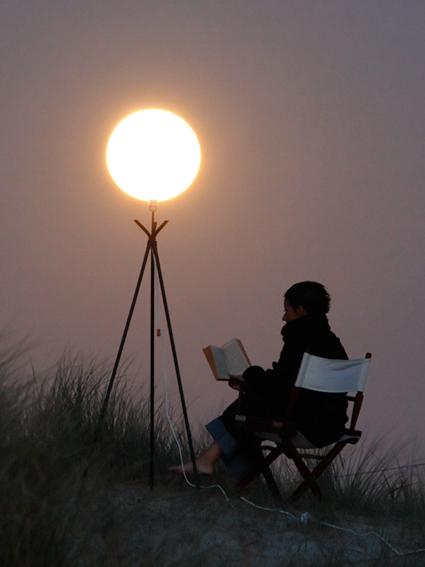Sabine lit à la lueur de la Lune, Laurent Laveder
