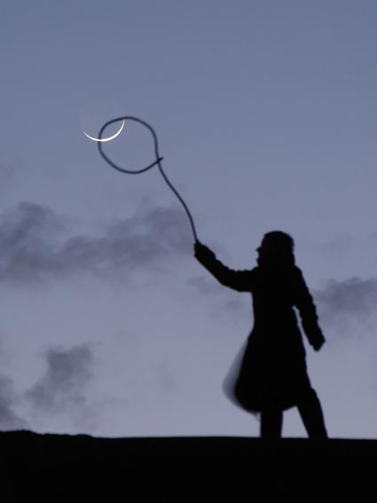 Comment empêcher la Lune d'être emportée par le vent ? En l'attrapant au lasso ! Laurent Laveder