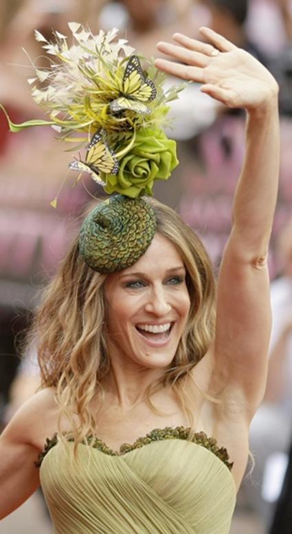 Sarah Jessica Parker et son chapeau signé Daniel Saynt