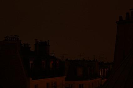 Paris s'éveille (et le corbeau et la grue aussi)