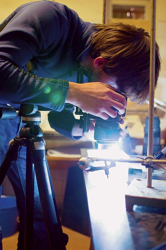 Alexander Semenov en pleine séance de photographie pour portraits